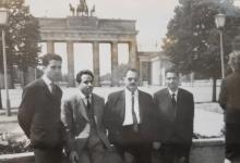 الرائد أحمد عنتر و من أفراد القوى الجوية في برلين 1971