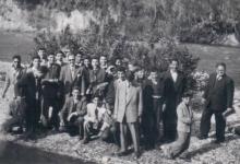 صورة طلاب مدرسة جودت الهاشمي في رحلة إلى لبنان عام 1953م