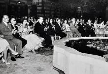 صورة الرئيس شكري القوتلي في عرض فرقة فيينا السيمفونية عام 1956
