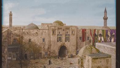 صورة صور تاريخية ملونة – خان الوزير في حلب 1920 – 1923