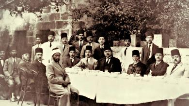 صورة الدكتور رضا سعيد في ضيافة مرعي باشا الملاح عام 1925