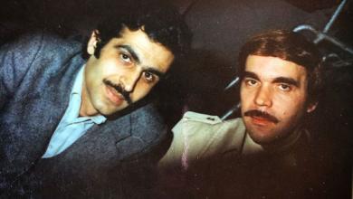 صورة الفنان ياسر العظمة مع المخرج هشام شربتجي عام 1980
