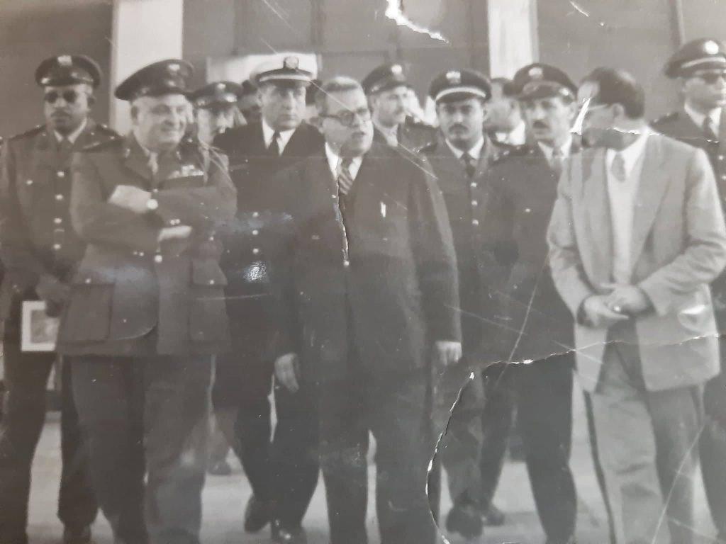 النقيب أحمد عنتر مع جمال الفيصل في الكويت في الستينيات