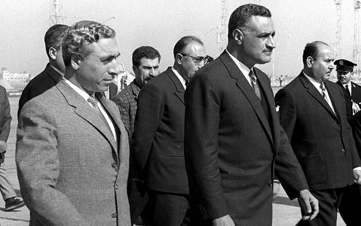 جمال عبد الناصر يستقبل أمين الحافظ أثناء مؤتمر القمة العربي 1964 (2)