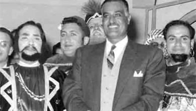 صورة جمال عبد الناصر يشهد عرض مسرحية تاجر البندقية بجامعة دمشق (1)