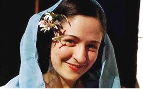 دمشق - ليديا حنين سركيس و الياسمين الدمشقي ... في بيت التاج الإسباني عام 1946