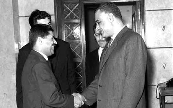 جمال عبد الناصر يستقبل يوسف الزعين عام 1966 (1)