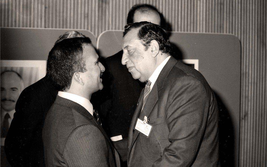 عمر بهاء الدين الأميريوالأمير حسن بن طلال عام 1983