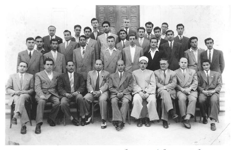 اللاذقية 1956- الهيئة التدريسية في مدرسة التجهيز