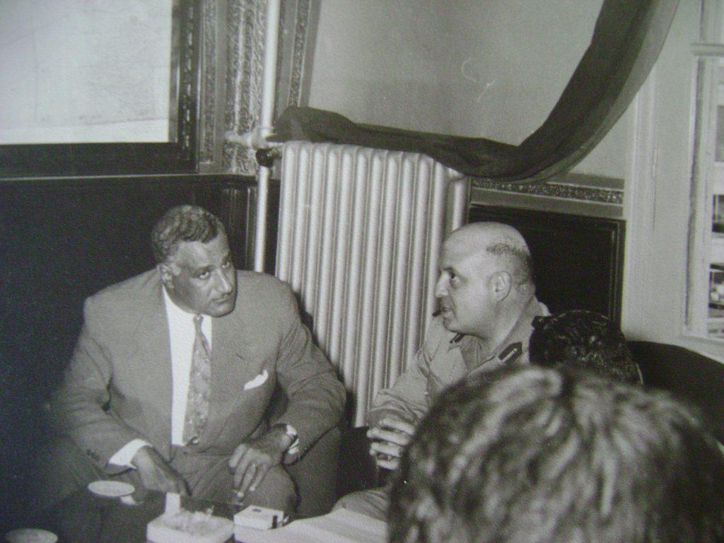 جمال عبد الناصر وجمال الفيصل في رئاسة الاركان بدمشق 1958