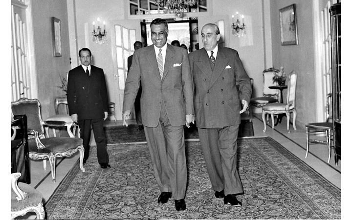 دمشق 1958- الرئيسان شكري القوتليوجمال عبد الناصرأثناء الدخول إلى قصر الضيافة
