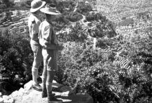 اللاذقية... منطقة كسب 1941- جندي بريطاني وآخر أسترالي في اطلالة على الوادي
