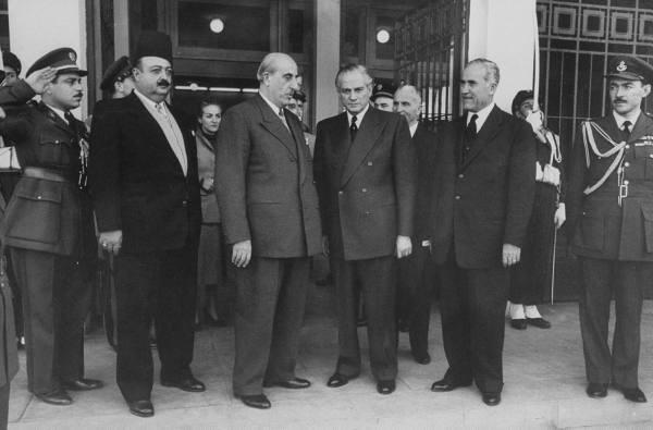 شكري القوتلي وكميل شمعون في مؤتمر القمة عام 1956