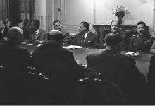 صورة جمال عبد الناصر وشكري القوتلي بالاجتماع الأول في محادثات الوحدة 1958 (3)