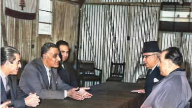 الرئيسان جمال عبد الناصر وفؤاد شهاب في خيمةعند الحدود اللبنانية-السوريةعام 1959