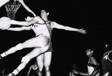 صورة شامل داغستاني في الكويت اثناء احترافه مع نادي القادسية عام 1966