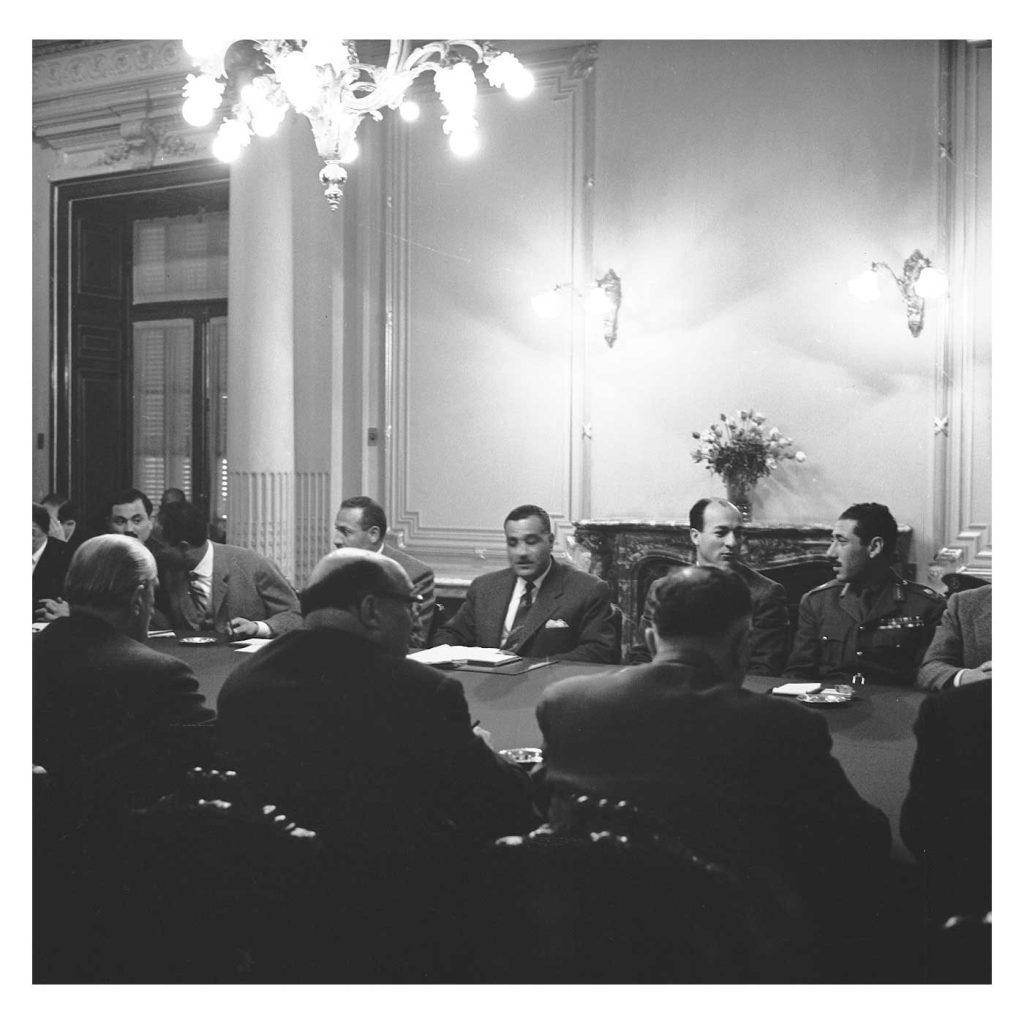 جمال عبد الناصر وشكري القوتلي بالاجتماع الأول في محادثات الوحدة 1958 (2)