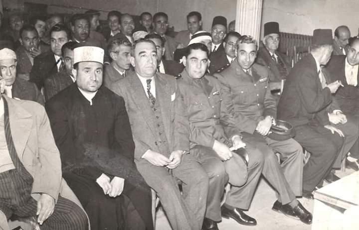أمين الحافظ مدير الكلية الحربية وخالد سليم مدير موقع حمص عام 1957