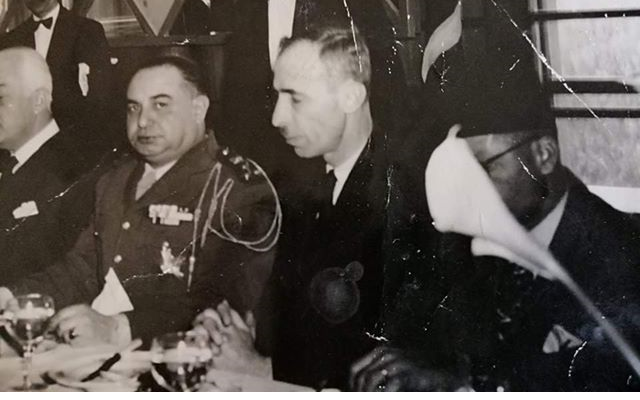 صورة حسن جبارةوحسني الزعيم في حفل عشاء – نادي الشرق عام 1949م