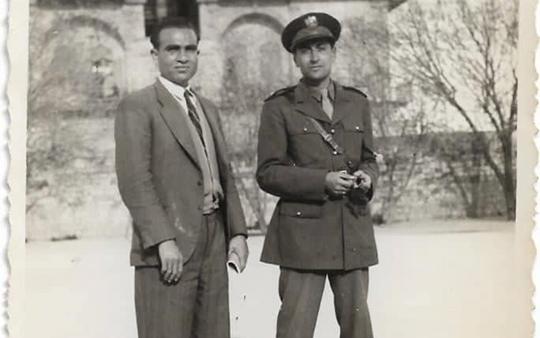 صورة عمر محمد كردي .. معاون مدير مدرسة المأمون في حلب عام 1948