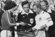 صورة فاروق بوظو في المباراة التي جرت بين منتخب المانيا ومنتخب المكسيك عام 1978