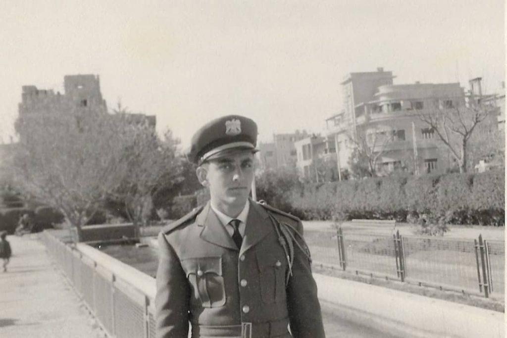 فاروق بوظو  - طالب ضابط في الكلية العسكرية عام 1958