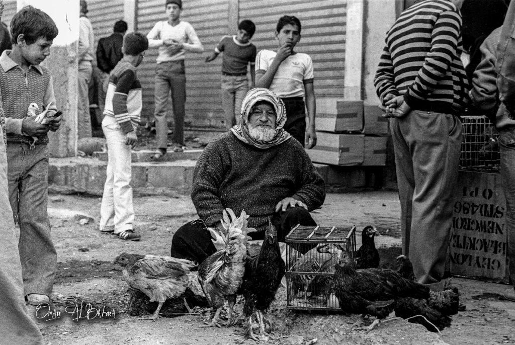 بائع دجاج في مدينة دمشق عام 1982