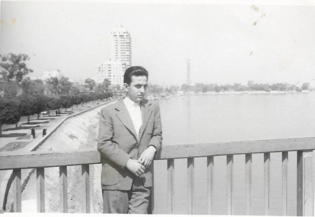 فاروق بوظو على نهر النيل - القاهرة عام 1959
