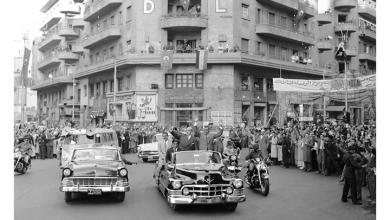 صورة القاهرة 1958 – جمال عبد الناصر وشكري القوتليعند توقيع ميثاق الوحدة (2)