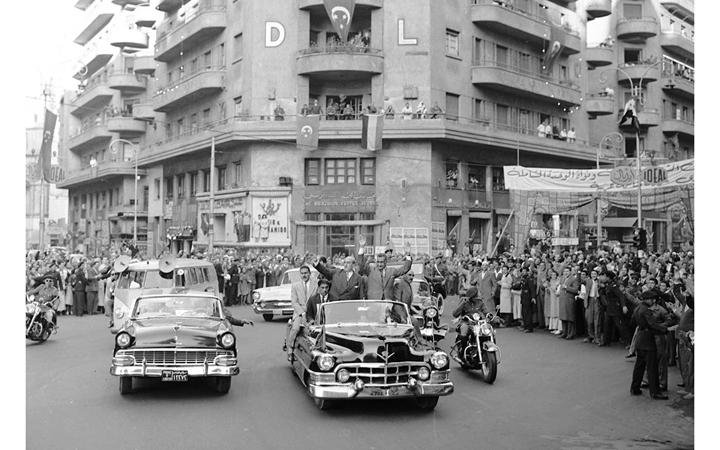 القاهرة 1958 - جمال عبد الناصر وشكري القوتليعند توقيع ميثاق الوحدة (2)