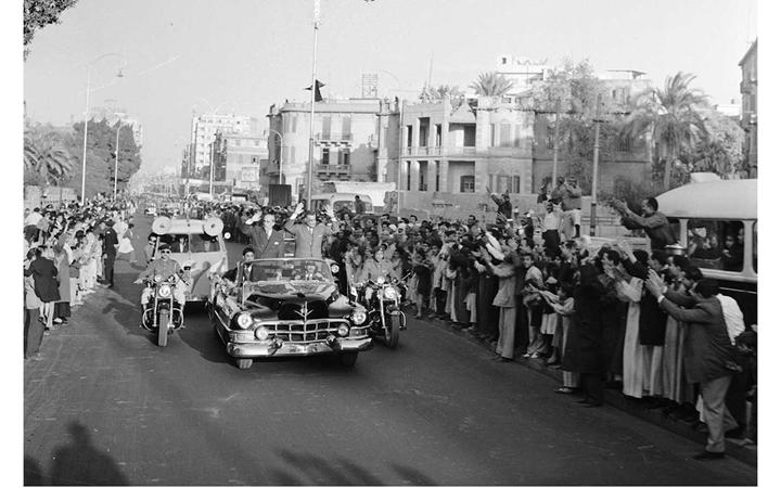 القاهرة 1958 - جمال عبد الناصر وشكري القوتليعند توقيع ميثاق الوحدة (8)