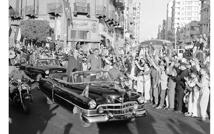 القاهرة 1958 - جمال عبد الناصر وشكري القوتليعند توقيع ميثاق الوحدة (6)