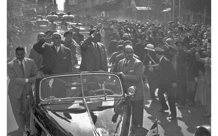 القاهرة 1958 - جمال عبد الناصر وشكري القوتليعند توقيع ميثاق الوحدة (3)