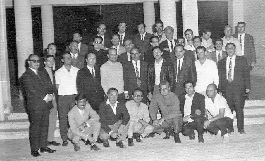 حمص 1970- الكادر التعليمي في مدرسة هاشم الأتاسي