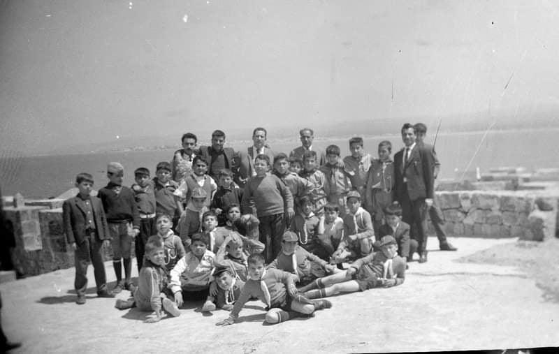 قلعة أرواد 1965- الفرقة الكشفية لمدرسة البيروني مع بعض المدرسين