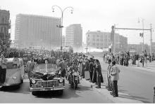صورة القاهرة 1958 – جمال عبد الناصر وشكري القوتليعند توقيع ميثاق الوحدة (5)