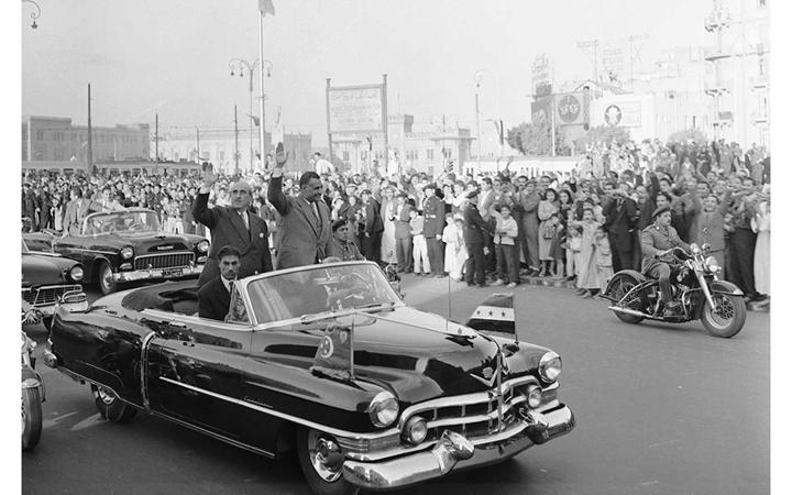 القاهرة 1958 - جمال عبد الناصر وشكري القوتليعند توقيع ميثاق الوحدة (11)