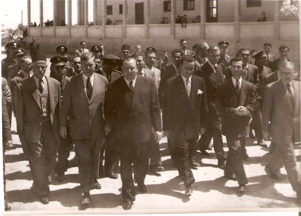 دمشق 1951-أمين عام للأمم المتحدة يتفقد أوضاع اللاجئين الفلسطينيين في المخيمات
