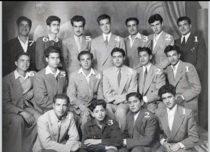 مجموعة من طلاب الرقة في ثانوية التجهيز بحلب عام 1951م
