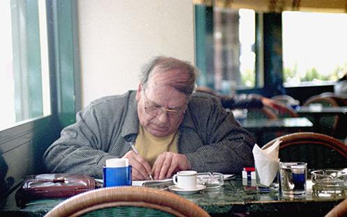 صورة محمد الماغوط فيمقهى البرازيل عام 2000م