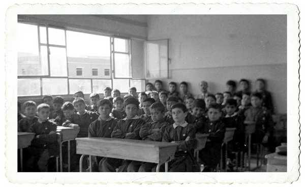 صورة دمشق 1965- طلاب الصف الخامس الإبتدائي في مدرسة البيروني