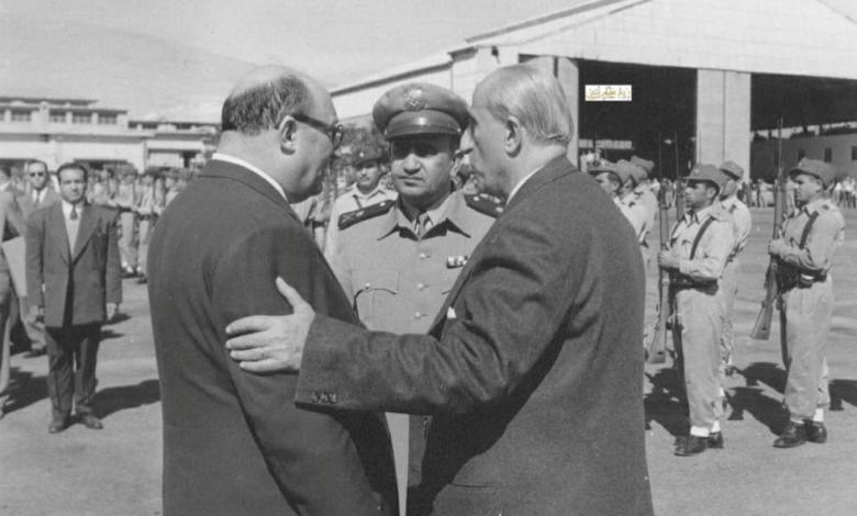 صورة شكري القوتلي مع صبري العسلي وتوفيق نظام الدين في مطار المزة 1956