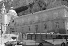 صورة ريف دمشق – دير مار تقلا في معلولا عام 1993