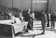 صورة شكري القوتلي مع خريجي دورة ضباط القوى الجوية عام 1956 (3)