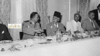 صورة اللواء توفيق نظام الدين وإحسان الجابري في نادي الضباط بحلب عام 1956م