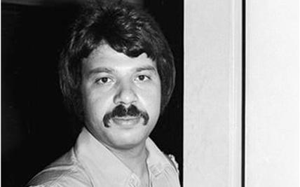 صورة الفنان الممثل توفيق العشى عام 1977