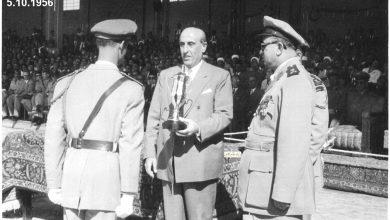 صورة شكري القوتلي مع خريجي دورة ضباط القوى الجوية عام 1956 (4)