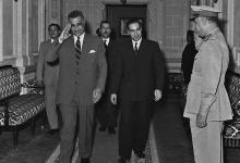 صورة القاهرة 1958- جمال عبد الناصر يستقبل عبد الحميد السراج