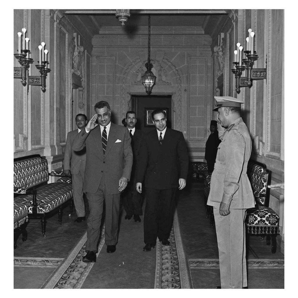 القاهرة 1958- جمال عبد الناصر يستقبل عبد الحميد السراج
