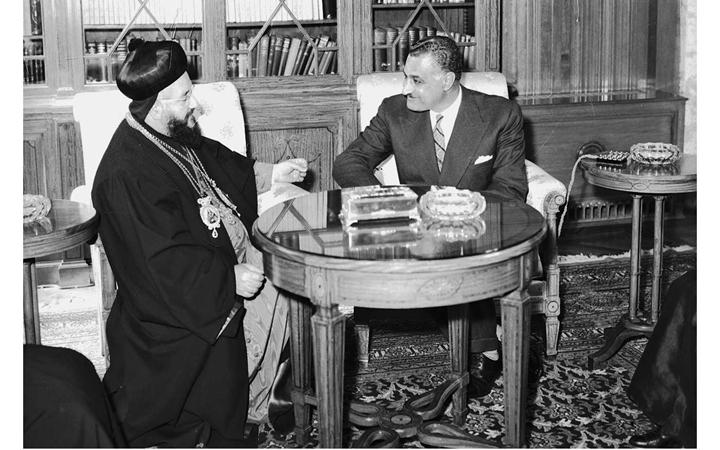 صورة جمال عبد الناصر يستقبل بطريرك السريان الأرثوذكس عام 1959(7)